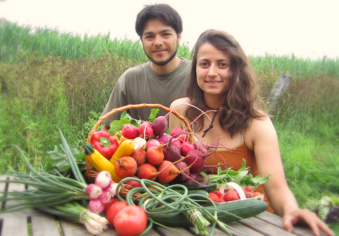 Tim and Cinthya with veggie basket